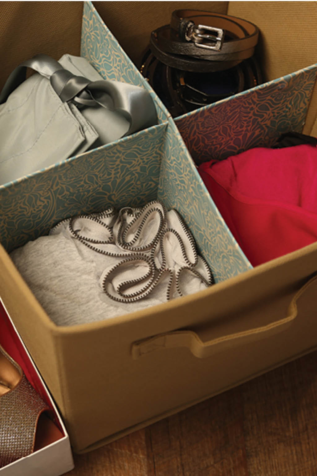 four-part-carboard-box-organizer