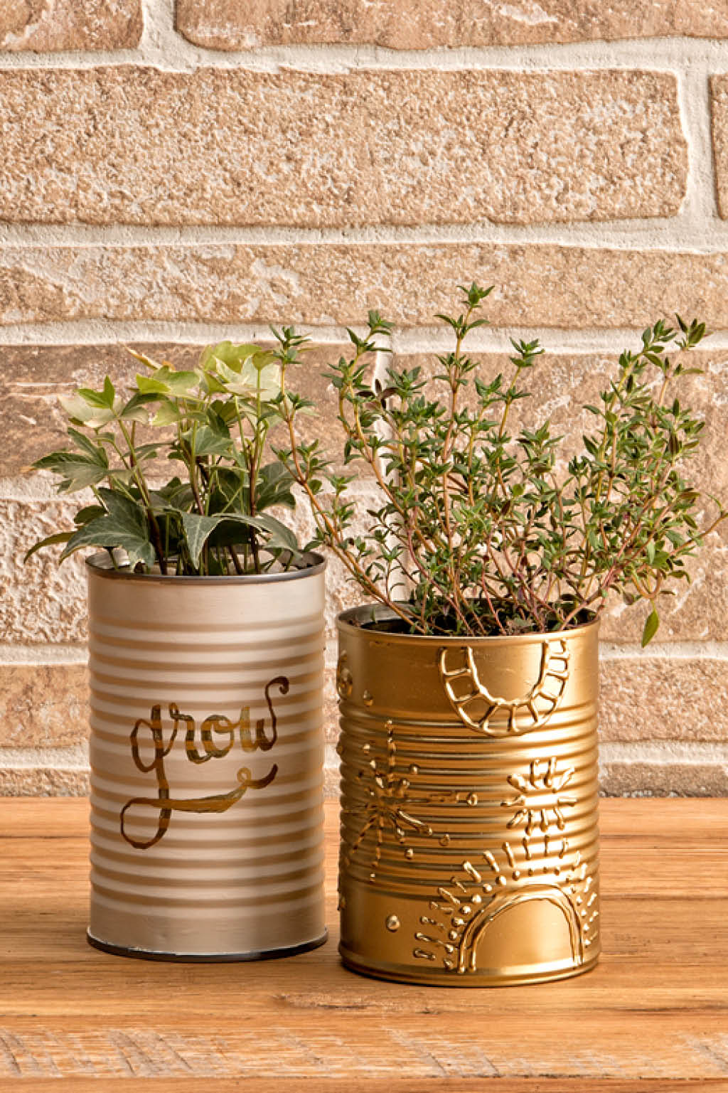 upcycled-painted-can-planter