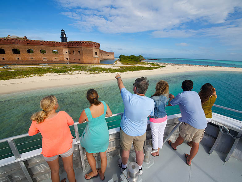 dry-tortugas-tour-group